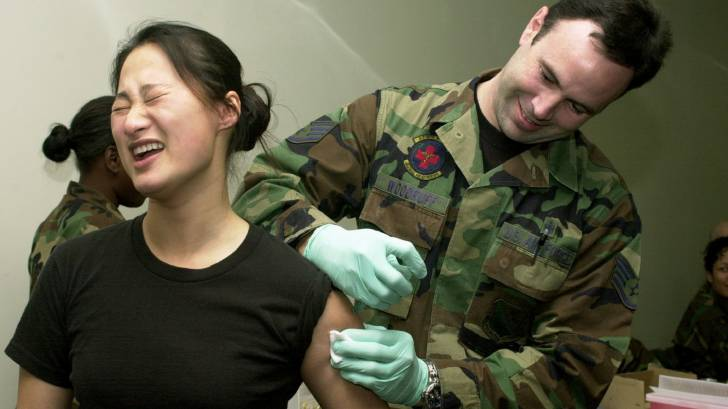 us army vaccinating it's troops